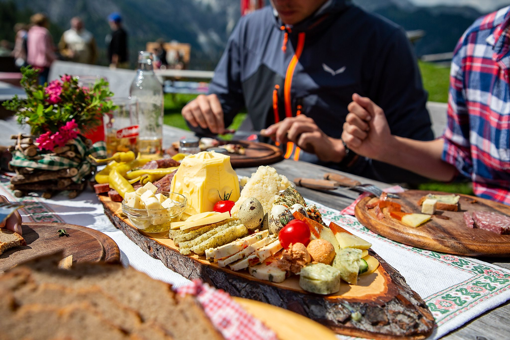 <p>Simply good. The alpine snack with butter, cheese, Spek and fresh bread - that is pure pleasure.</p>