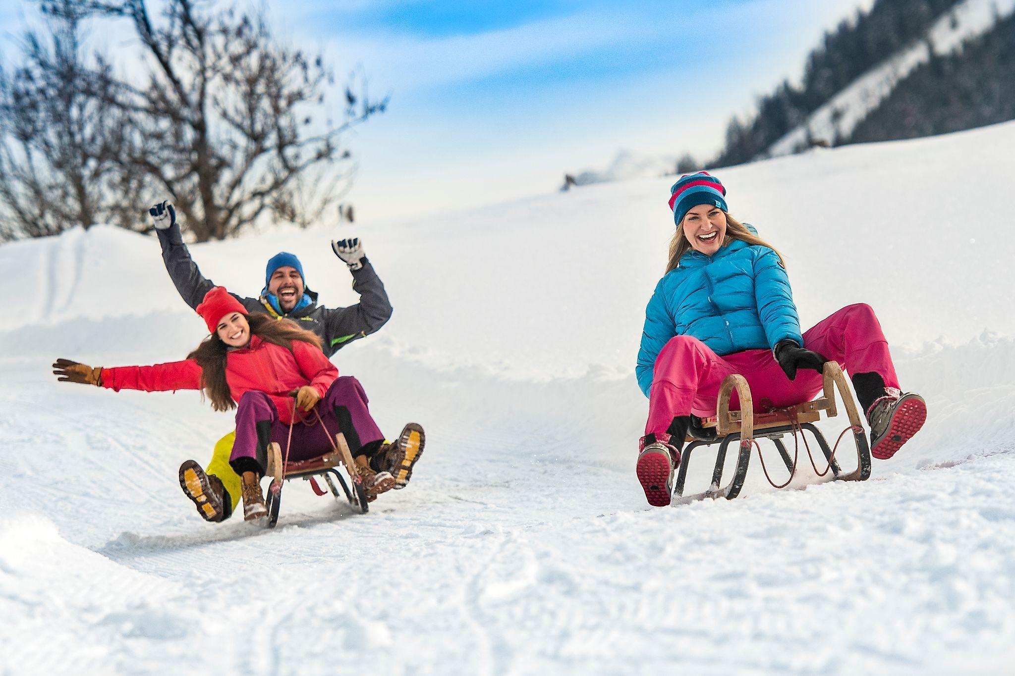 <p>Eine lustige Rodelpartie darf beim Winterurlaub in Flachau nicht fehlen.</p>