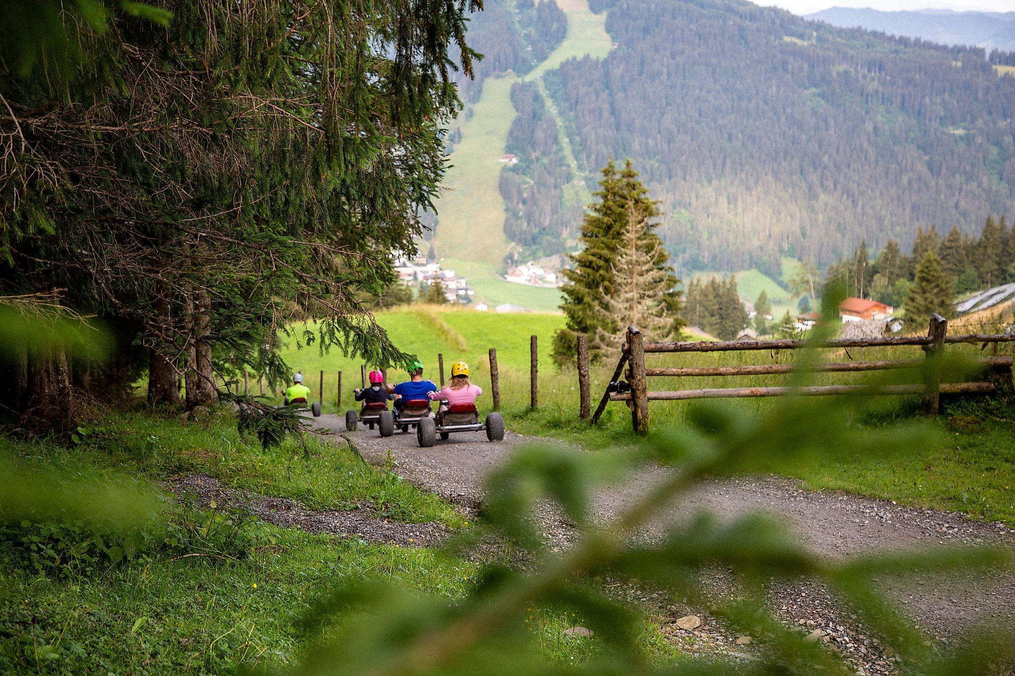 <p>Eine Mountaincarttour darf beim Aktivurlaub in Flachau auf keinen Fall fehlen.</p>