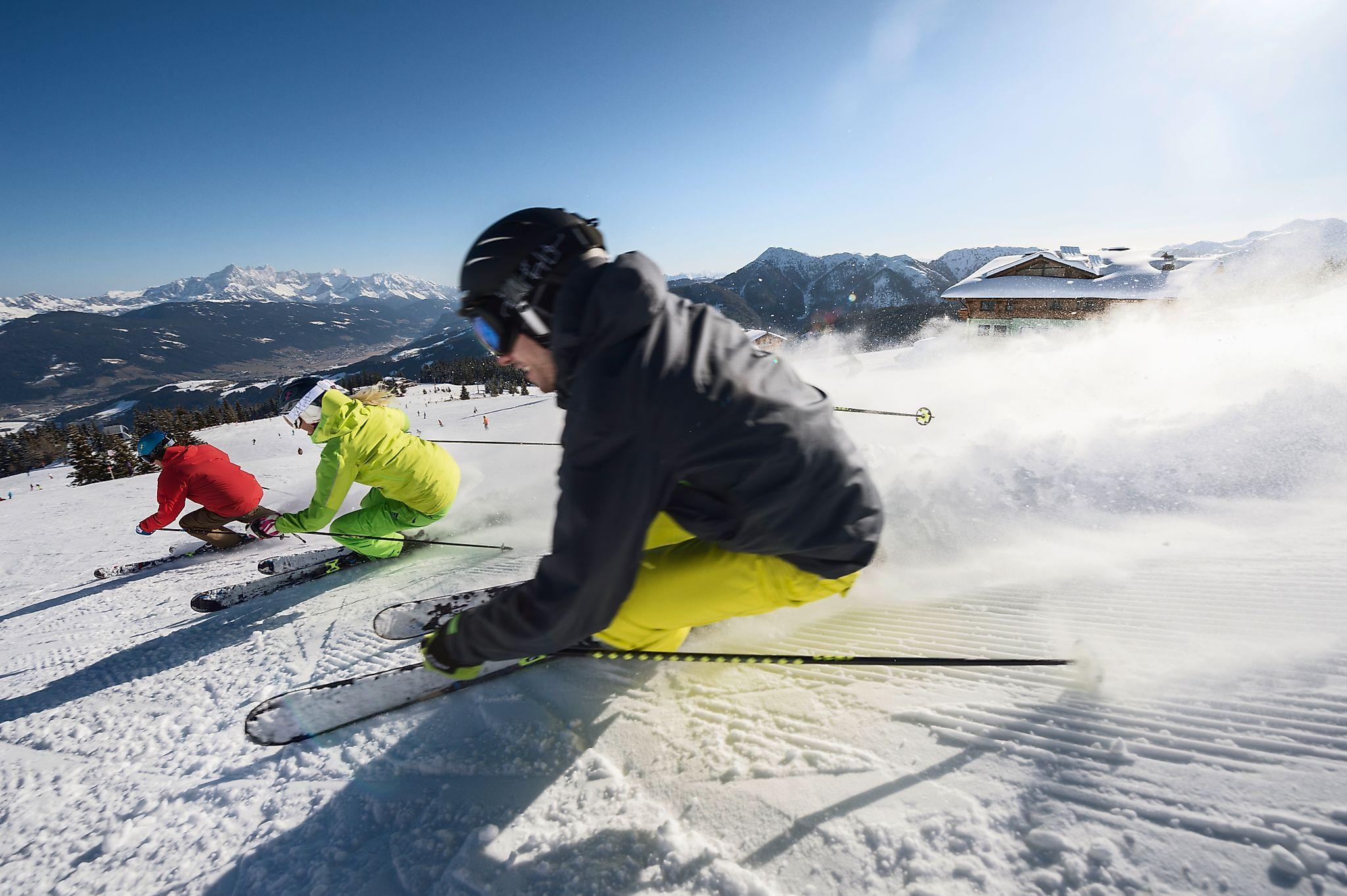 <p>Skifahren ist einfach ein genialer Wintersport. Wir lieben den Skisport, wir lieben den Winter</p>
