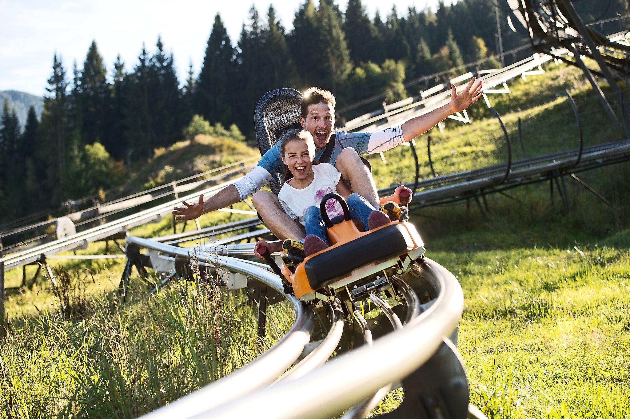 <p>Rodelspaß beim Lucky Flitzer in Flachau.</p>